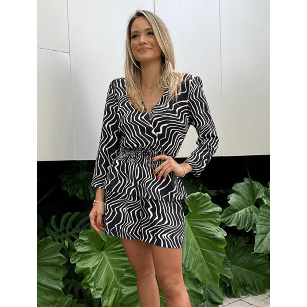 Macaquinho-Print-Zebra-Preto